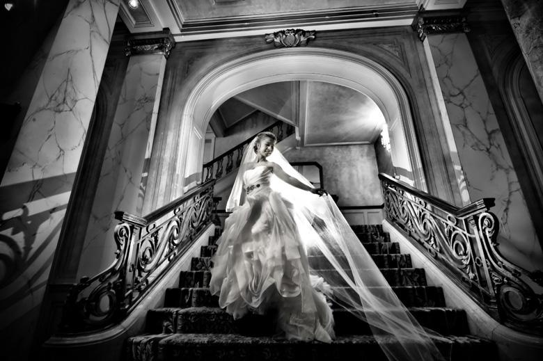 Bridal Portrait: 5-th Place by Vivian Yue (Yueko Image)