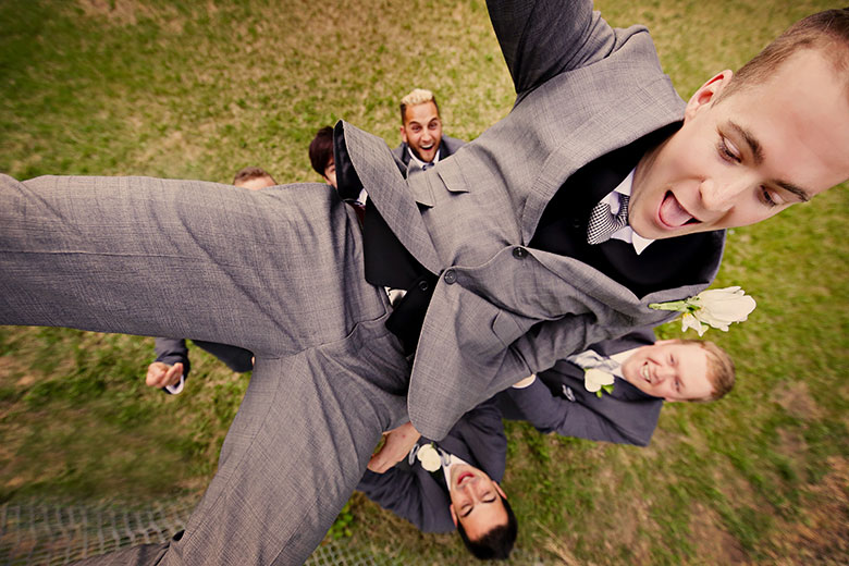 Humor: 7-th Place by Elaine + Kenneth Soong (Just Married Photography)