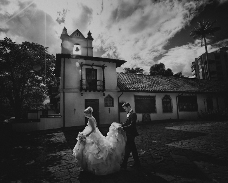 Bride and Groom Portrait: 10-th Place by Camille Fortin Bensler (JONETSU STUDIOS)
