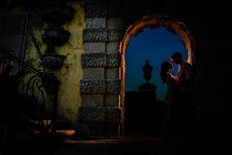 Engagement Portrait: 5-th Place by Ludo Jacob Suissa (Black Swan Foto)