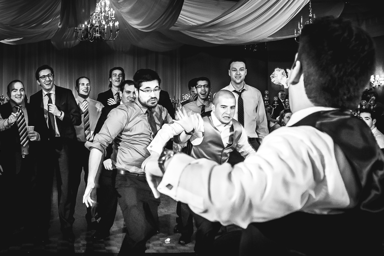 Bouquet / Garter Toss: 8-th Place by Mike Tigchelaar (Zekar Photography (Mike Tigchelaar))