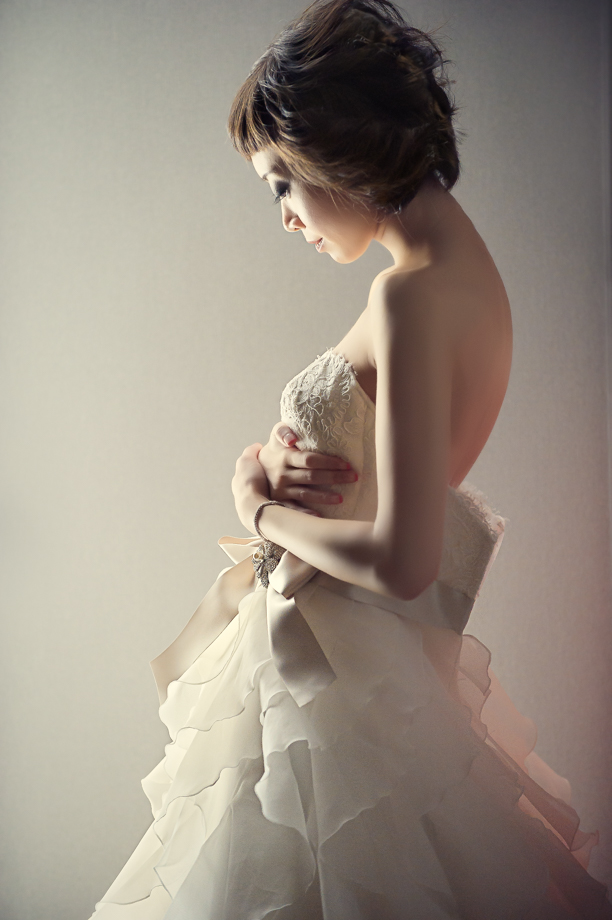 The Wedding Dress: 13-th Place by Jackie Au (Jackie Au Photography)