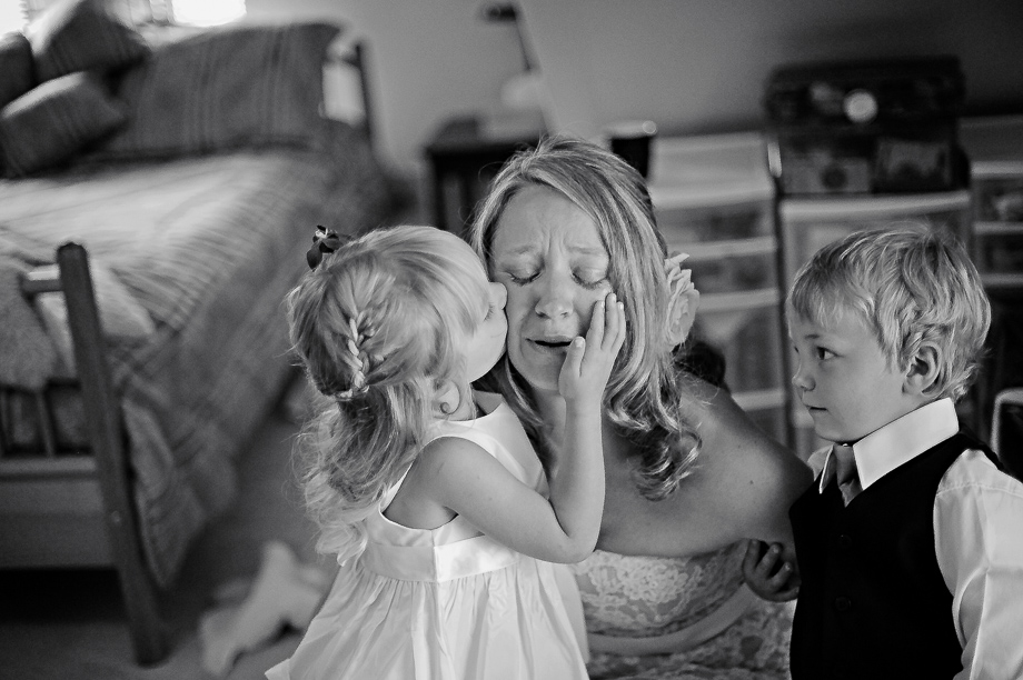 Kids Being Kids: 4-th Place by Erin Wallis (ERIN WALLIS PHOTOGRAPHY)