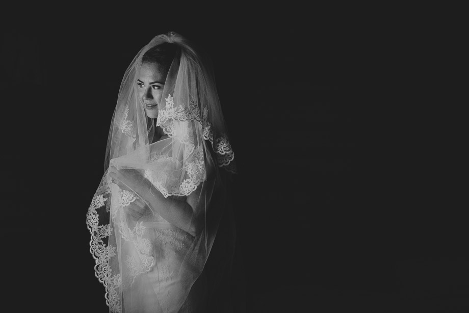 Bridal Portrait: 11-th Place by Erin Wallis (ERIN WALLIS PHOTOGRAPHY)