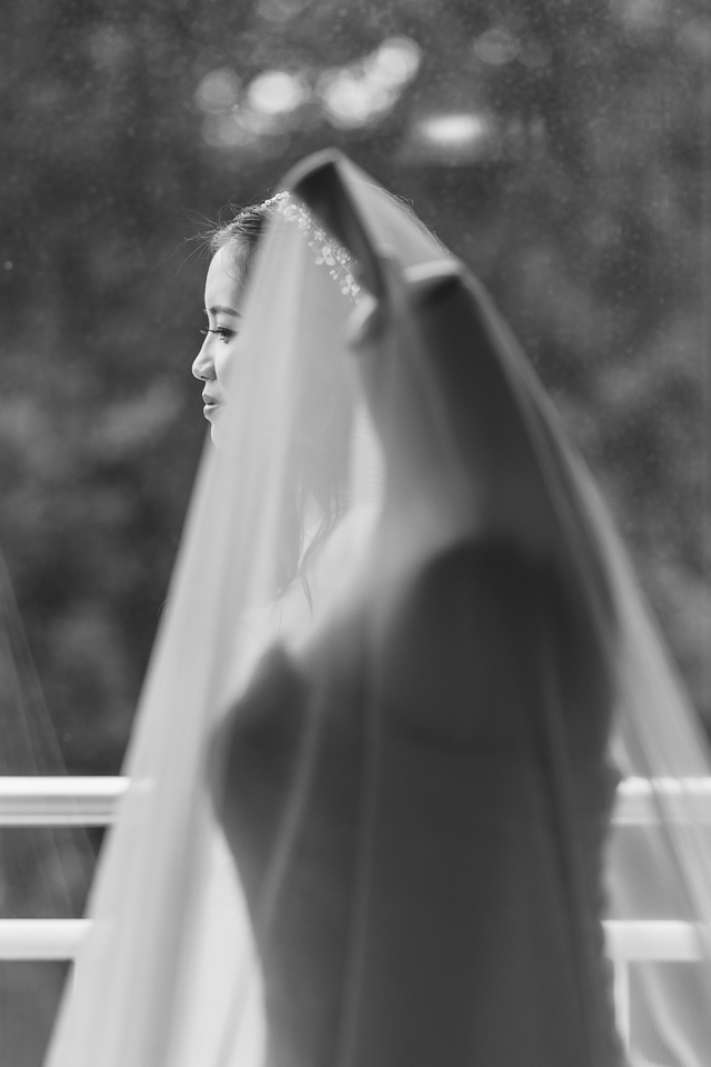 The Wedding Dress: 4-th Place by Henry Hengyan Chen (Hengyan Photography)
