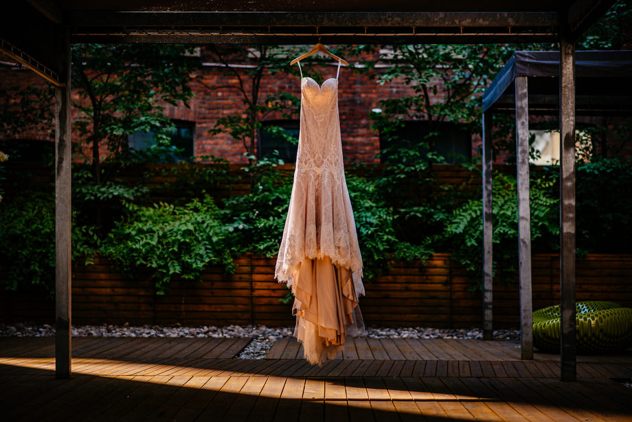 The Wedding Dress: 4-th Place by Tim Chin (TIMCHIN photography+design)