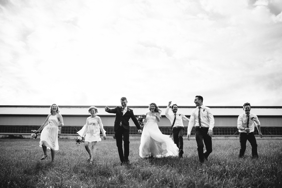 Bridal Party Portrait: 7-th Place by Justine Boulin (Justine Boulin Photography)