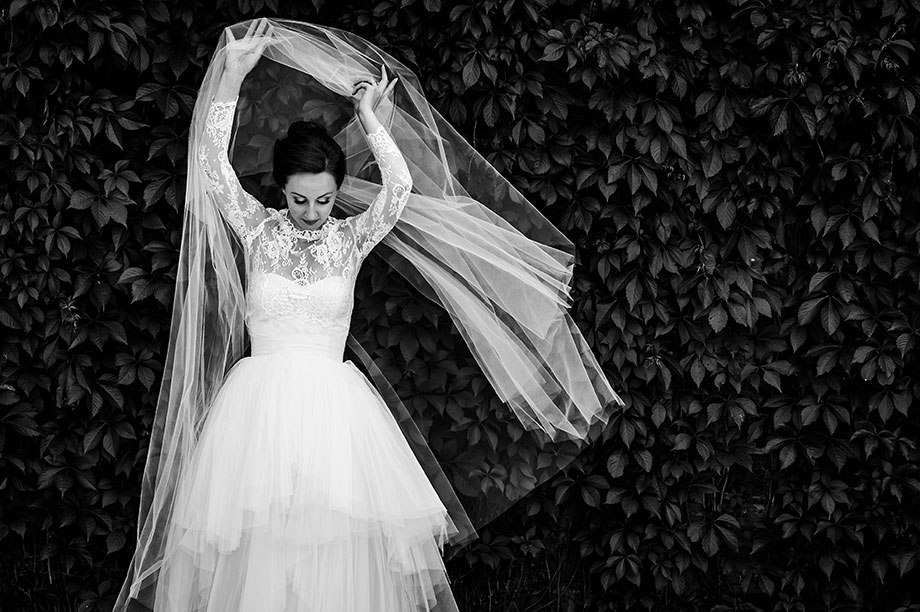 Bridal Portrait: 11-th Place by Betina Abrao (Betina Abrao Photo)