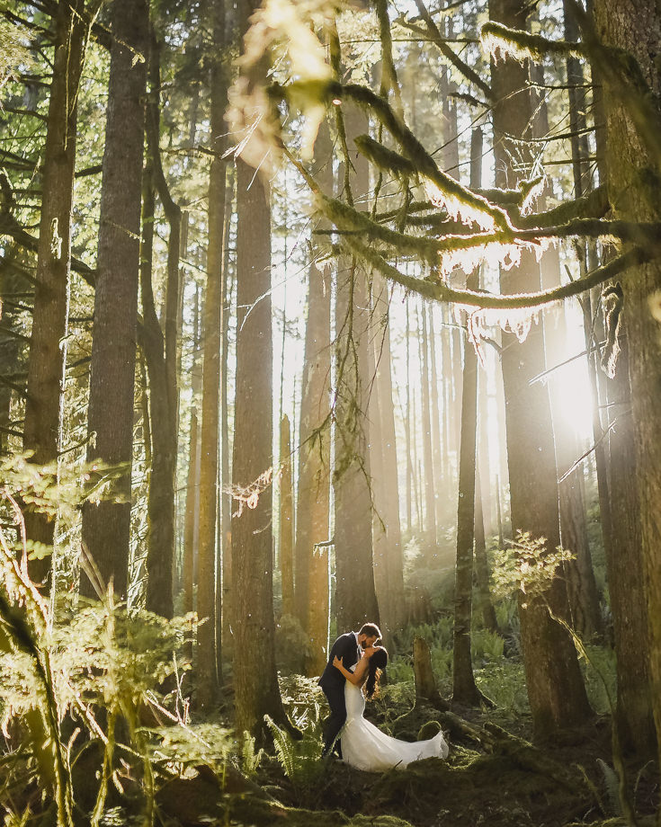Bride and Groom Portrait: 11-th Place by Erin Wallis (ERIN WALLIS PHOTOGRAPHY)