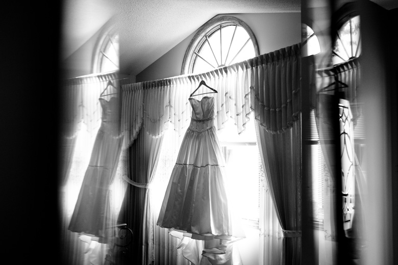 The Wedding Dress: 8-th Place by Dustin Leader (Dustin Leader Photography)