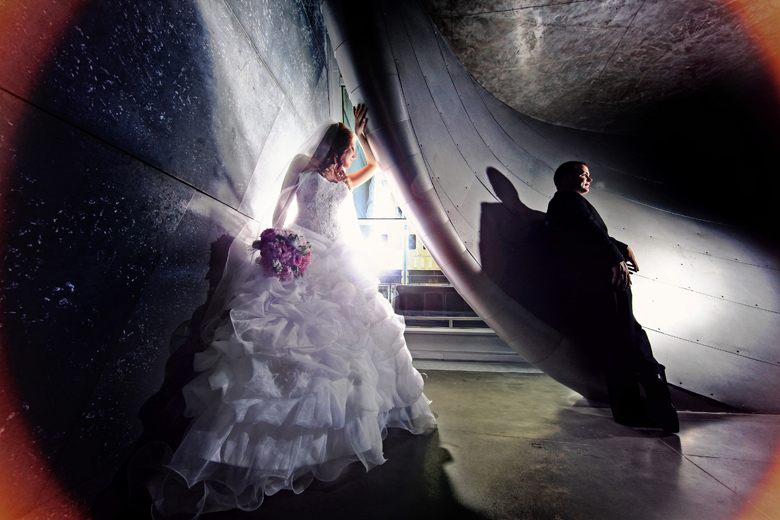 Creative Lighting: 6-th Place by Elaine + Kenneth Soong (Just Married Photography)