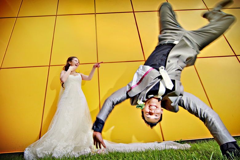 Humor: 4-th Place by Elaine + Kenneth Soong (Just Married Photography)