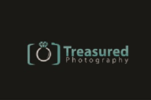 Click here to visit website of Treasured Photography