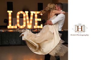 Click here to visit website of Holst Photography